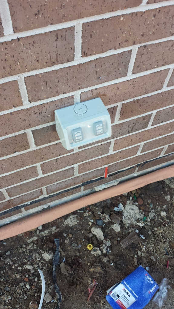 Outdoor power point and termite control